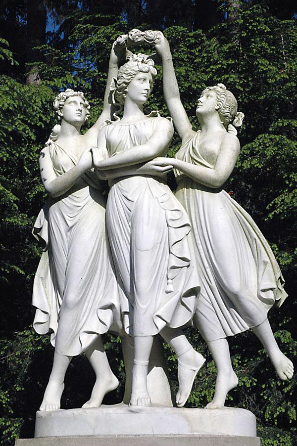 Arte Three Girls